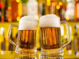Bier mit Schaum