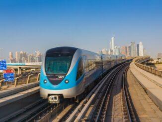 Ein Zug der Dubai Metro