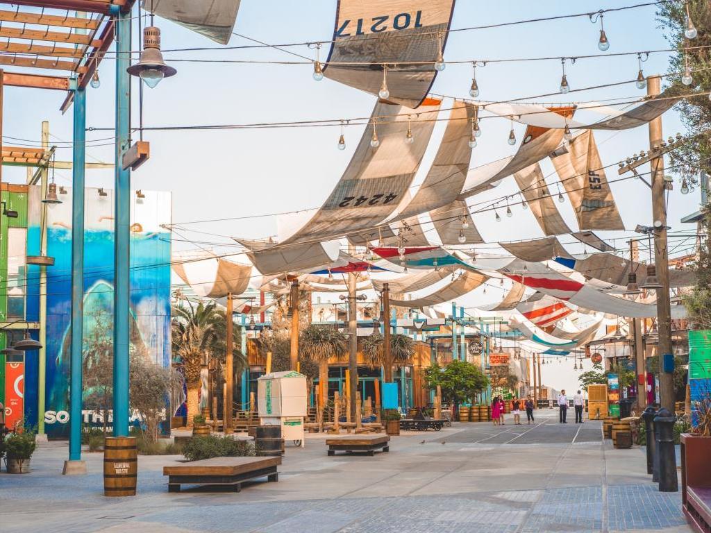 Die Promenade von La Mer Dubai