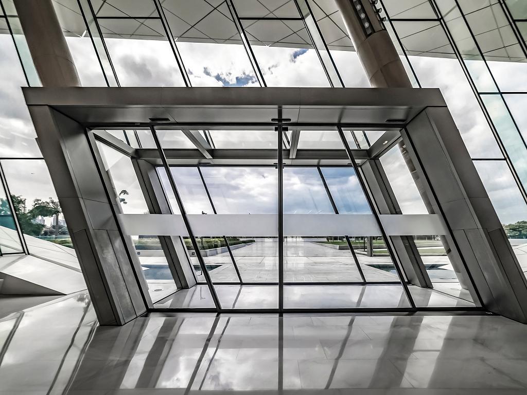 Moderne Architekur im Etihad Museum