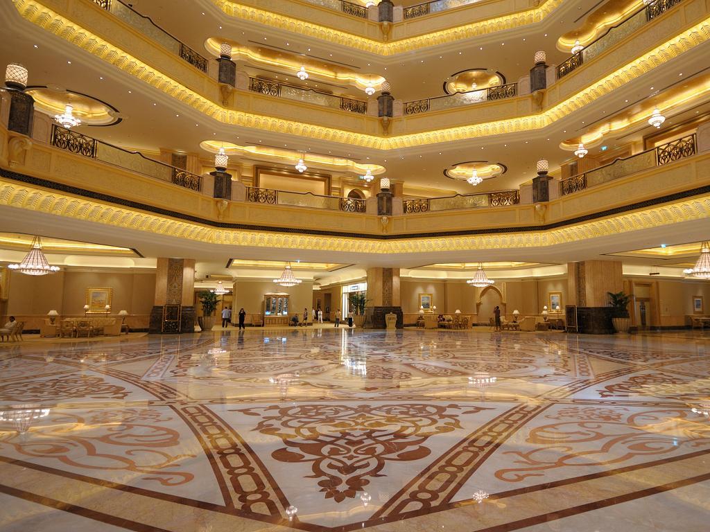 Die Lobby vom Emirates Palace