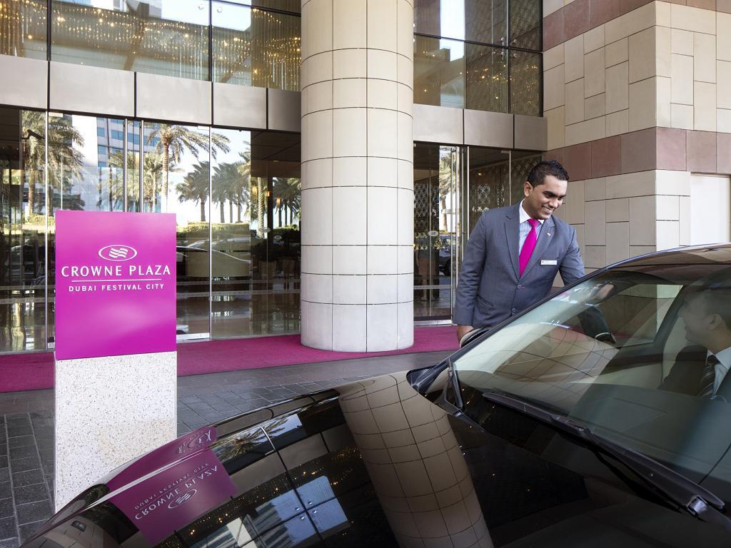 © Crowne Plaza Dubai Festival City Eingang