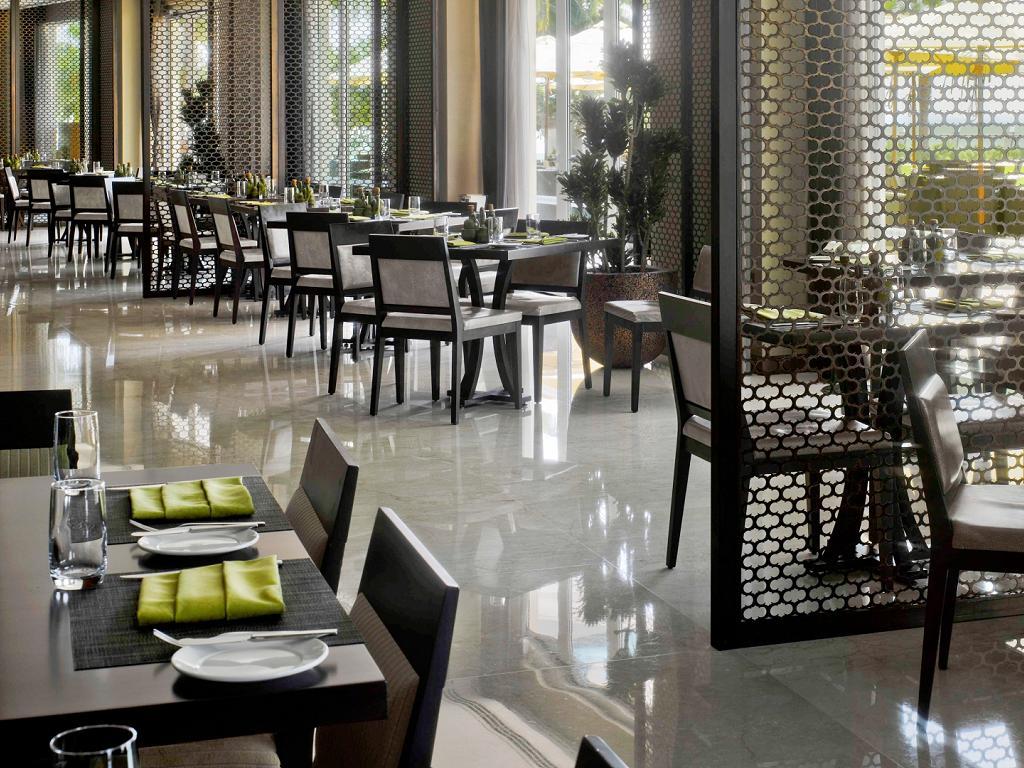 © Crowne Plaza Dubai Festival City Restaurant