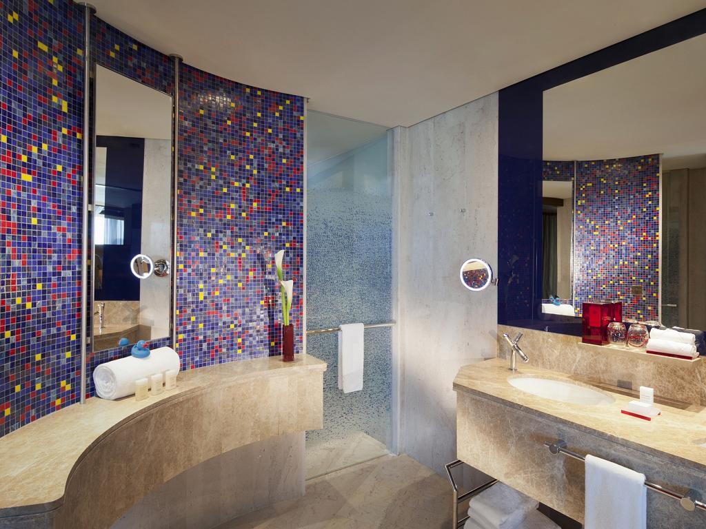 © Jumeirah Creekside Hotel Badezimmer