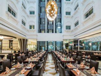 © Holiday Inn Bur Dubai | Atrium
