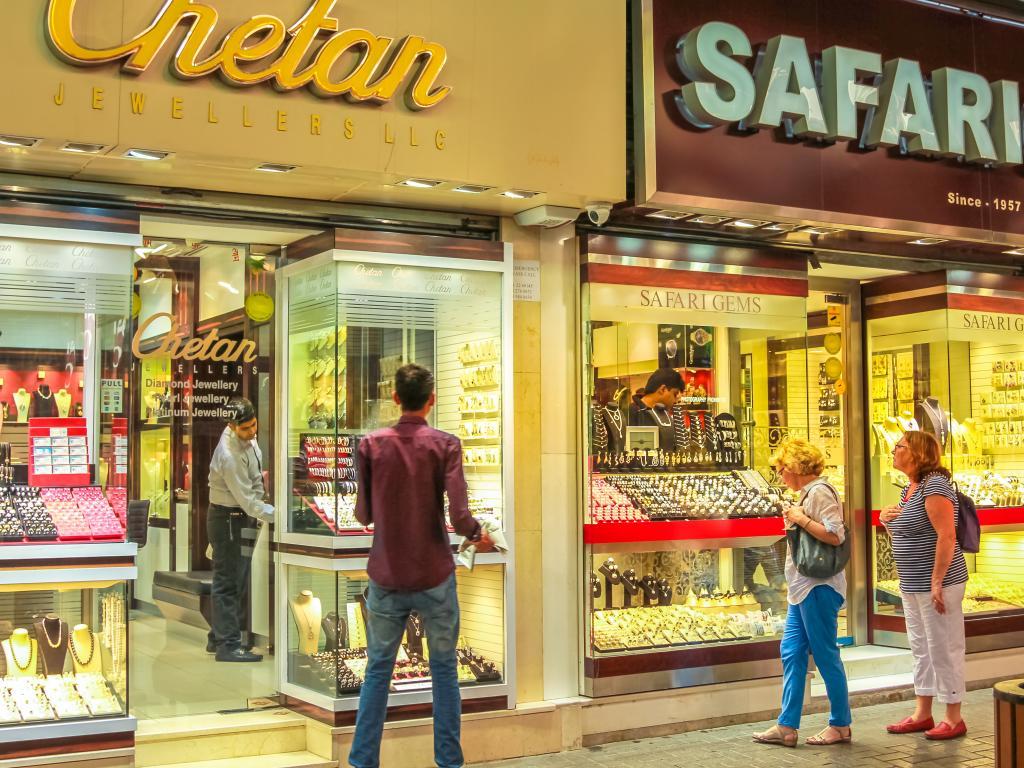 Im Gold Souk Dubai kann man günstig Schmuck kaufen