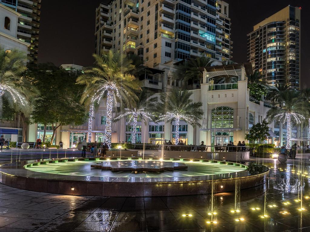 Der Springbrunnen am Dubai Marina Walk