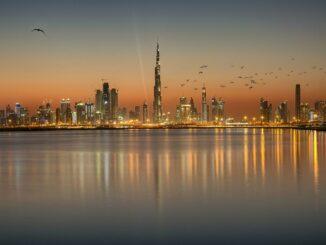 Dubai Skyline mit Burj Khalifa