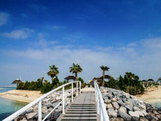 Brücke zum The Island Dubai Beach Club