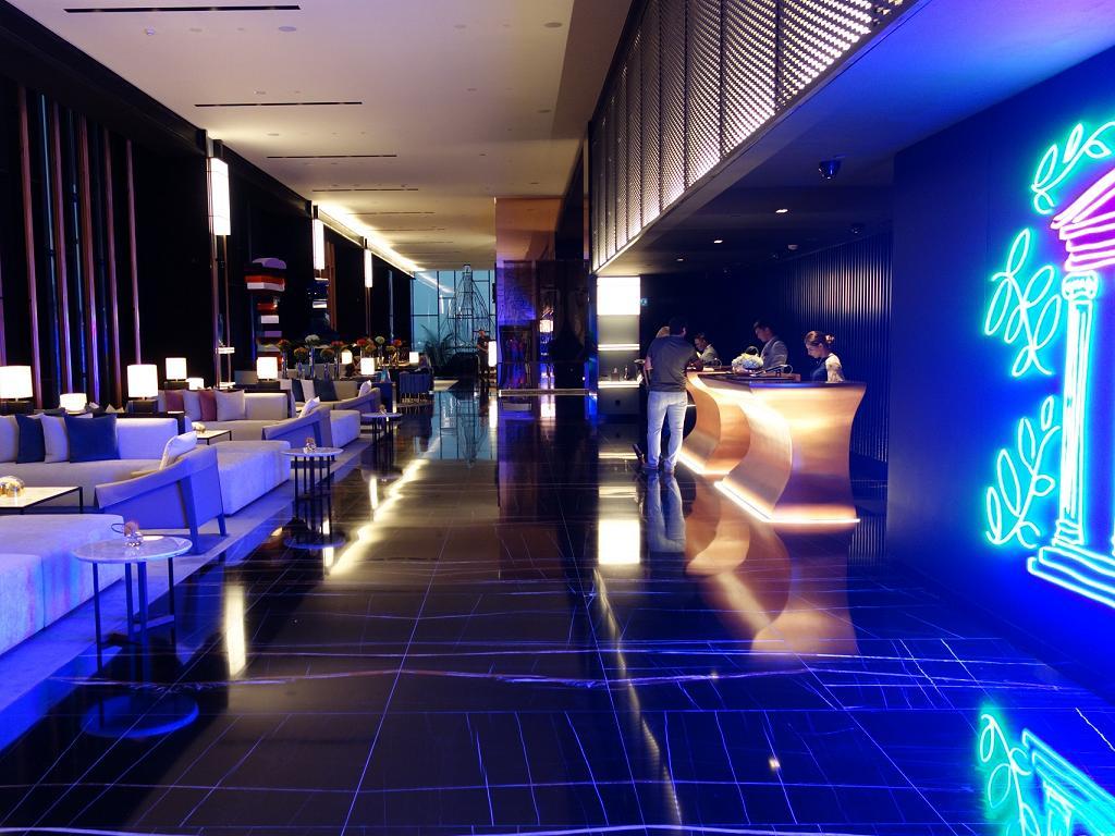 Die Lobby vom Caesars Resort Bluewaters Dubai
