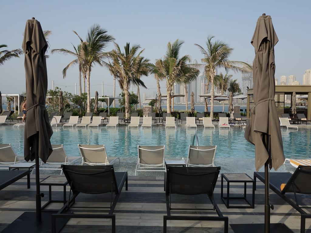Pool für Erwachsene im Caesars Resort Bluewaters Dubai