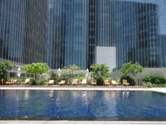 Der Pool vom The Oberoi Dubai
