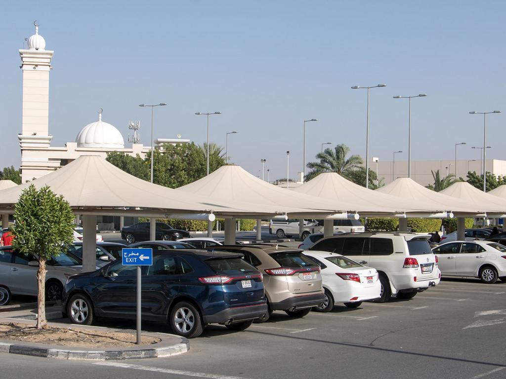 Parkplätze im Terminal 2