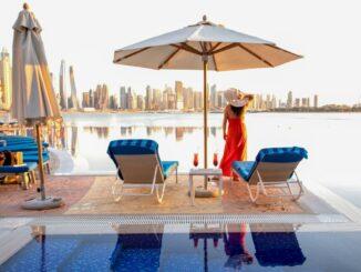 Pool von einem Hotel in Dubai