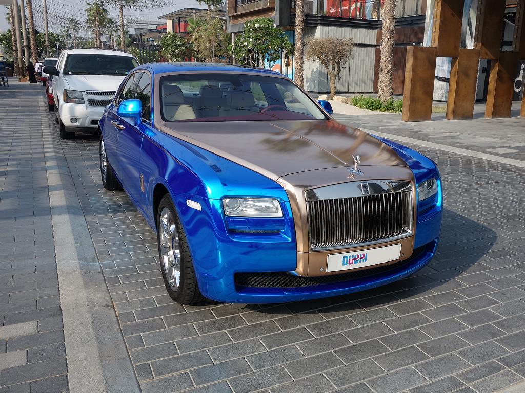 Blauer Rolls Royce