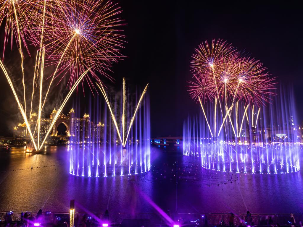 Ein Feuerwerk in Dubai