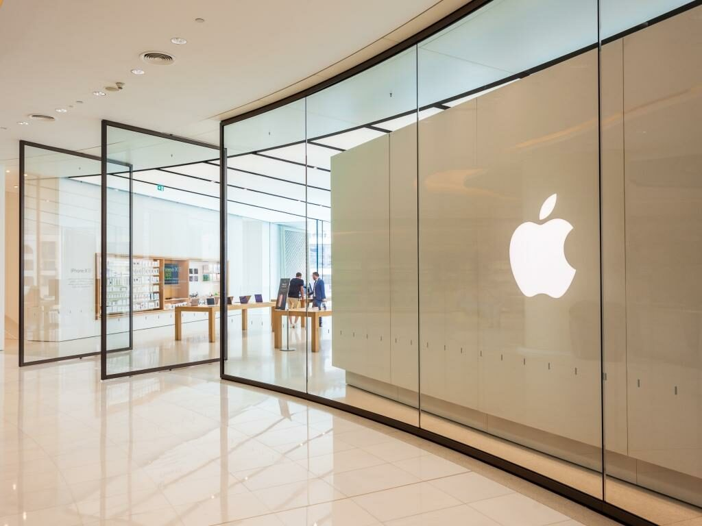 Dubai Mall Apple Store