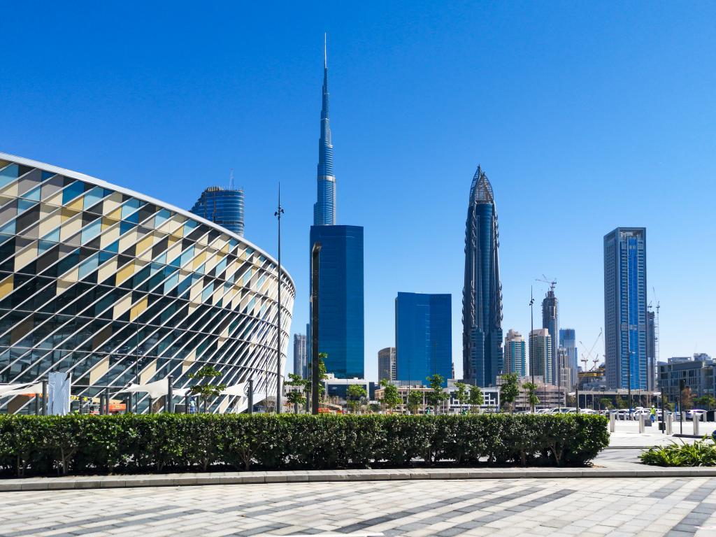 Die Arena und der Burj Khalifa