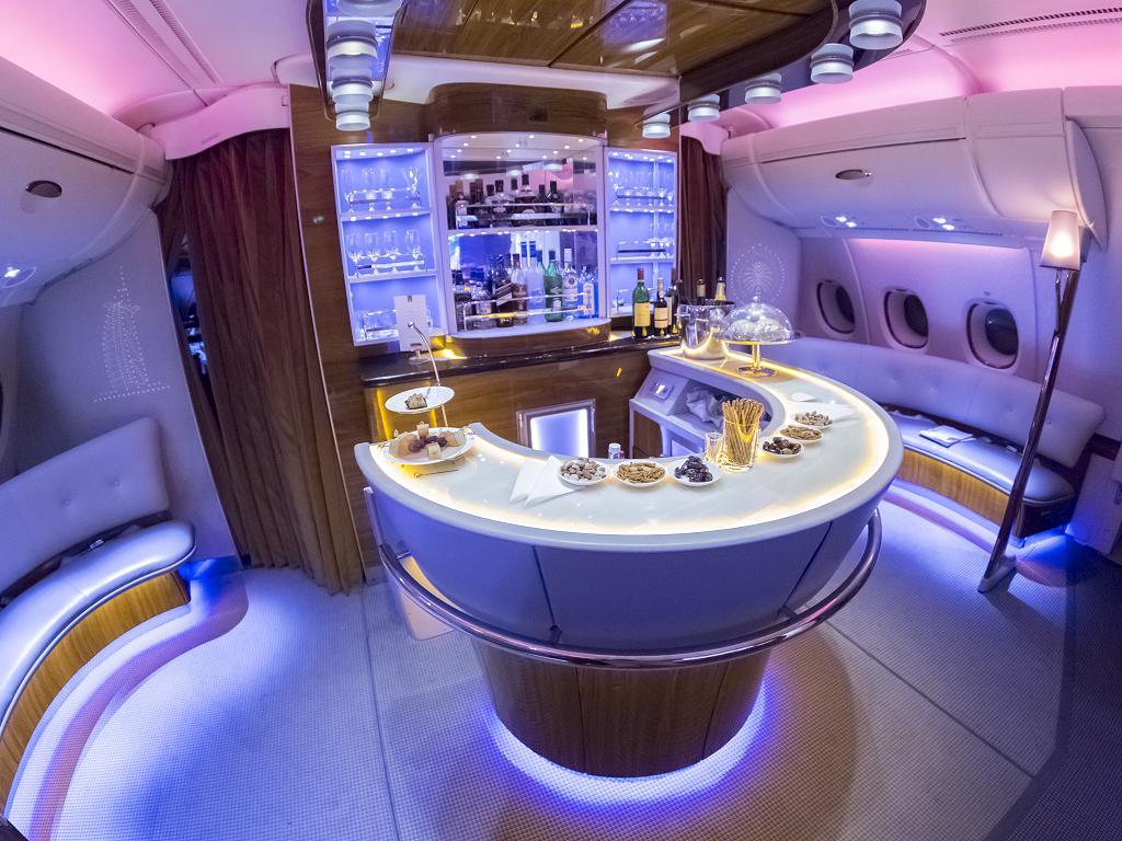 Die Bar im A380 von Emirates