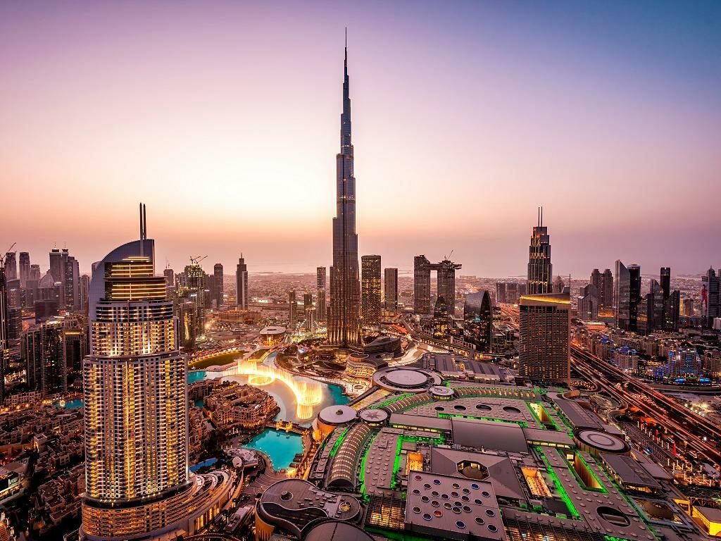 Dubai Downtown am Abend